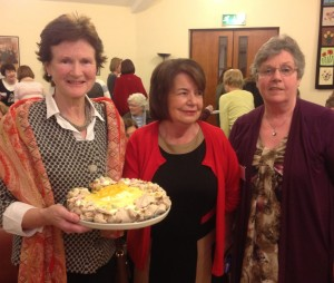 Winning entry baked by Patsy Mitchell with judge Mairead McEntee and Sheila Hurley Arts Promoter